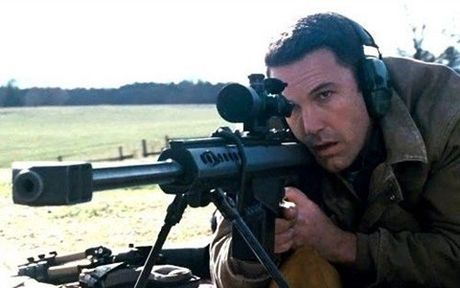 Phim moi cua Ben Affleck cang thang va can nao - Anh 3