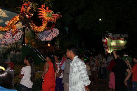 Hang nghin nguoi tray hoi Dinh Thay Thim - Anh 13