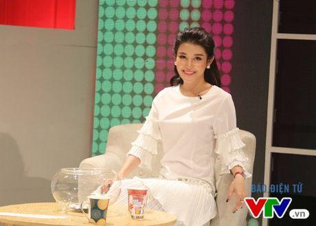 A hau Huyen My: Chi lam rang chu khong he 'dung dao keo' - Anh 3