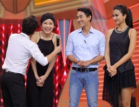 Mac ke Nha Phuong, Truong Giang van 'cuong om' rat nhieu nguoi dep - Anh 1