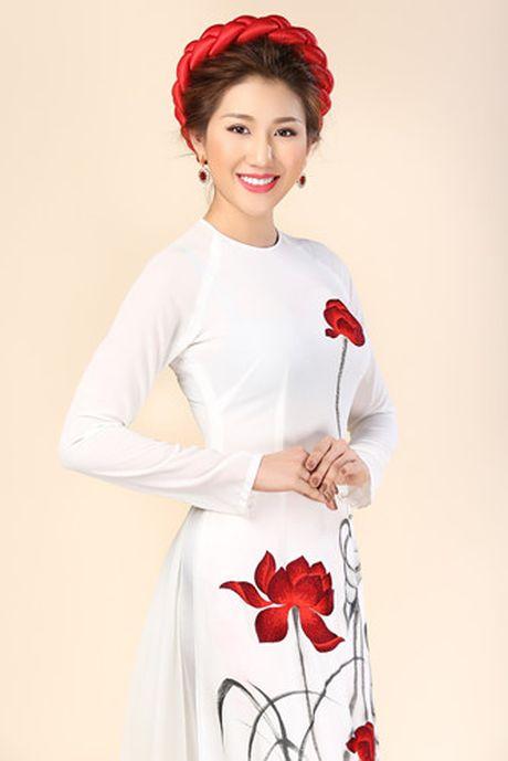 Ngam trang phuc truyen thong cua Bao Nhu tai Hoa hau Lien luc dia 2016 - Anh 4
