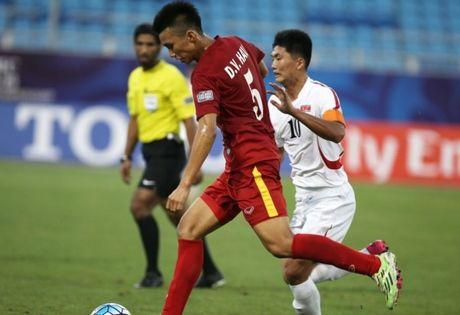 Van Hau chia se khoanh khac 'ha guc' U19 Trieu Tien - Anh 1