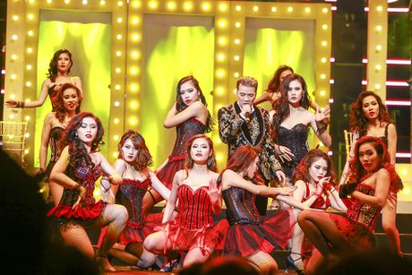 Khan gia man nhan voi 'Diamond Show' cua Dam Vinh Hung - Anh 10