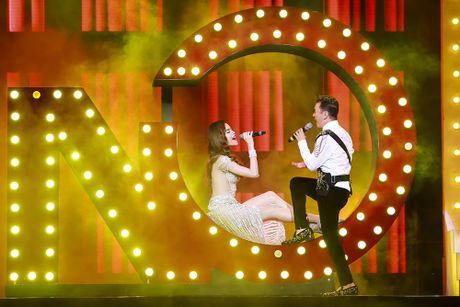 Khan gia man nhan voi 'Diamond Show' cua Dam Vinh Hung - Anh 11