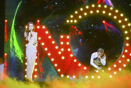 Khan gia man nhan voi 'Diamond Show' cua Dam Vinh Hung - Anh 12