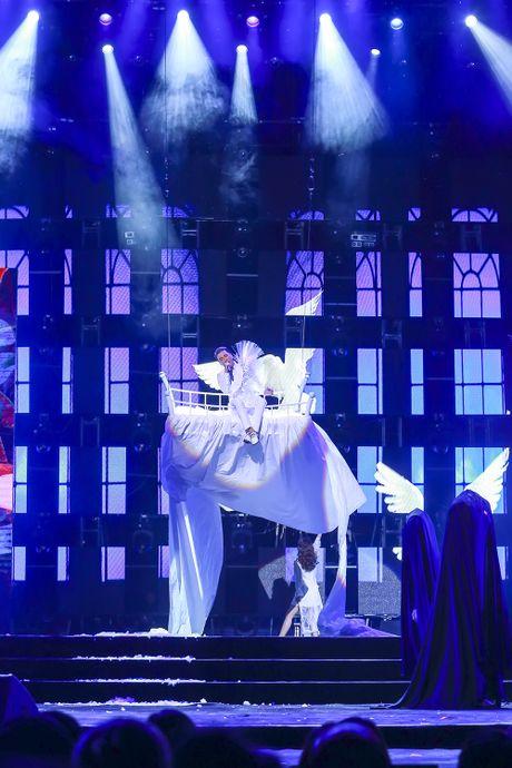 Khan gia man nhan voi 'Diamond Show' cua Dam Vinh Hung - Anh 18
