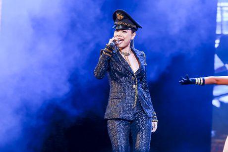 Khan gia man nhan voi 'Diamond Show' cua Dam Vinh Hung - Anh 23