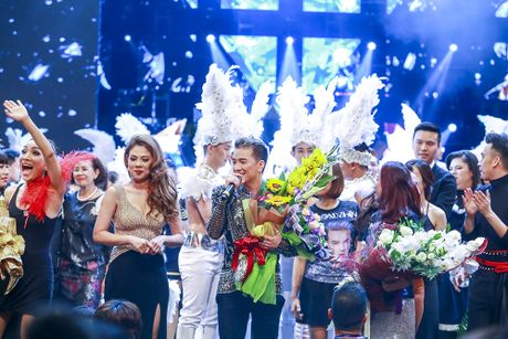 Khan gia man nhan voi 'Diamond Show' cua Dam Vinh Hung - Anh 28