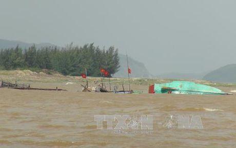 Hang chuc ho ngu dan Quang Binh trang tay sau tran lu dem - Anh 1
