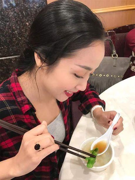 """Dan Le """"hoi han"""" vi lo xem dien thoai cua chong - Anh 3"""
