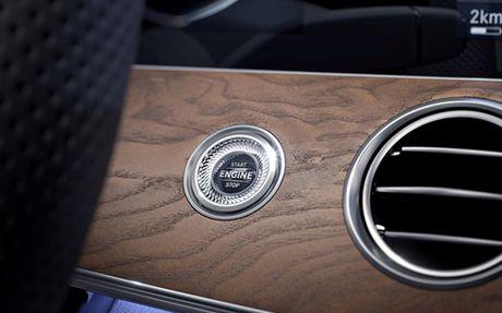 Mercedes E-Class moi gia tu 2,1 ty dong - Anh 10
