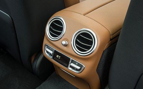 Mercedes E-Class moi gia tu 2,1 ty dong - Anh 8