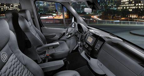 """Mercedes-Benz Sprinter """"do"""" gia hon 275.000 USD - Anh 2"""
