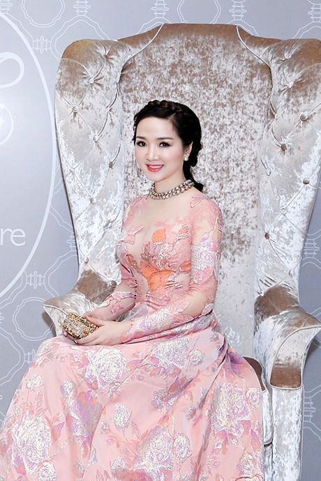 Hoa hau Giang My ngoi sieu xe 16 ty, du tiec o khach san 6 sao - Anh 5