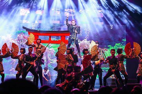 Liveshow 12 ty Mr.Dam: 4000 khan gia 'vo oa' truoc su xuat hien bat ngo cua Tuan Hung - Anh 17