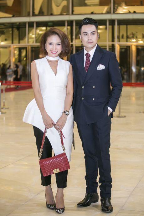 Liveshow 12 ty Mr.Dam: 4000 khan gia 'vo oa' truoc su xuat hien bat ngo cua Tuan Hung - Anh 33