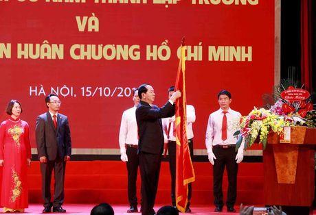 Truong DH Bach khoa Ha Noi don nhan Huan chuong Ho Chi Minh lan thu hai - Anh 1
