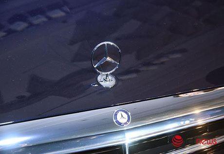 Can canh cap doi Mercedes E-class vua ra mat - Anh 26