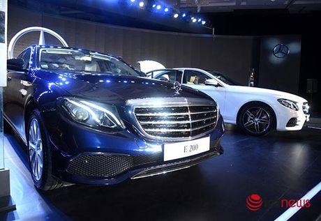 Can canh cap doi Mercedes E-class vua ra mat - Anh 4