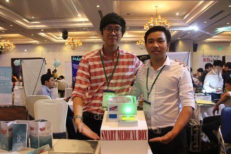Sinh vien TP.HCM tao 'y ta rieng' cho benh nhan; Google va Facebook bat tay xay cap quang xuyen Thai Binh Duong - Anh 1