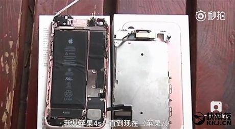 iPhone 7 phat no khi quay video, kinh vang rach mat - Anh 1