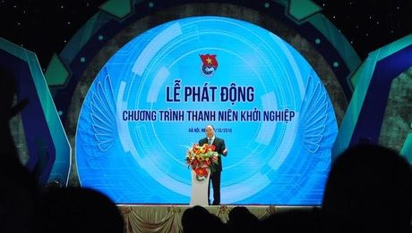 Sinh vien nganh chinh tri hoi Thu tuong cach khoi nghiep - Anh 1