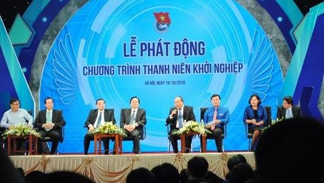 Sinh vien nganh chinh tri hoi Thu tuong cach khoi nghiep - Anh 3