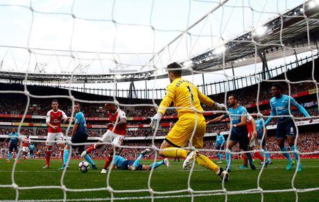 Arsenal da cho doi mot Walcott hay nhat trong suot 10 nam qua - Anh 3