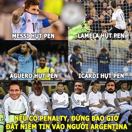 Anh che: Mourinho cuoi tren noi dau cua HLV Ranieri; Cong Phuong - Tuan Anh am 'giai khung' o J-League 2 - Anh 4