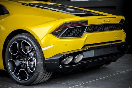 Can canh Lamborghini Huracan LP580-2 thu hai chuan bi cho VIMS 2016 - Anh 11