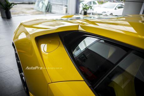 Can canh Lamborghini Huracan LP580-2 thu hai chuan bi cho VIMS 2016 - Anh 12