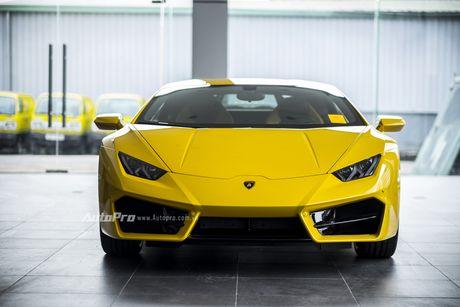 Can canh Lamborghini Huracan LP580-2 thu hai chuan bi cho VIMS 2016 - Anh 6