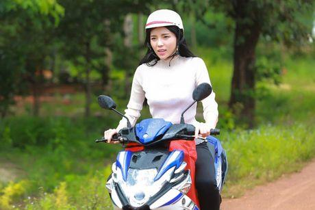 HH Ky Duyen tro lai day manh me sau scandal hut thuoc - Anh 6