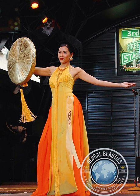 Nguyen Thi Loan mac ao tu than thi quoc phuc Miss Grand International - Anh 2
