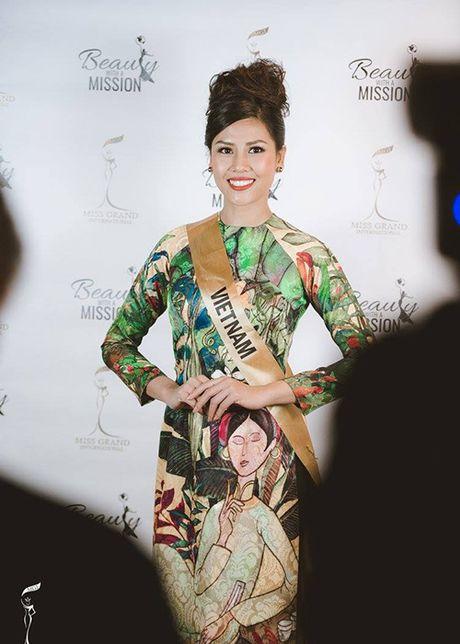 Nguyen Thi Loan mac ao tu than thi quoc phuc Miss Grand International - Anh 5