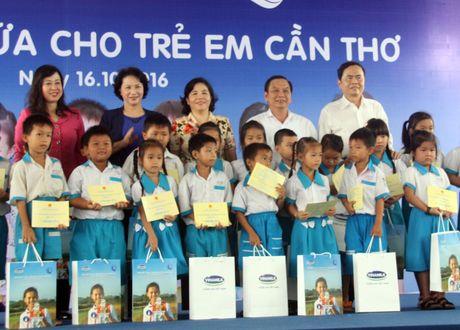 Quy sua 'Vuon cao Viet Nam' tang 87.000 ly sua cho tre em Can Tho - Anh 1
