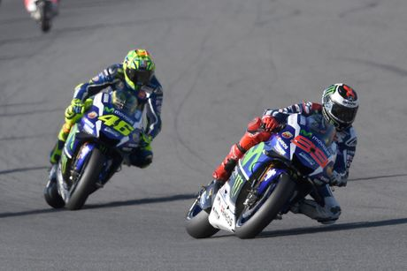 Chang Japan Motegi - Marquez ve nhat, vo dich 2016, Rossi do duong, Lorenzo chon sai vo - Anh 1