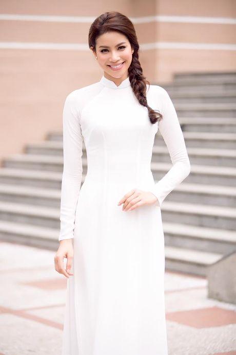 Can gi hang hieu xa xi, Pham Huong van dep nao long khi dien ao dai trang - Anh 1