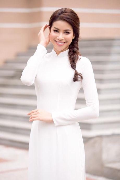 Can gi hang hieu xa xi, Pham Huong van dep nao long khi dien ao dai trang - Anh 2