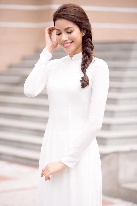Can gi hang hieu xa xi, Pham Huong van dep nao long khi dien ao dai trang - Anh 4