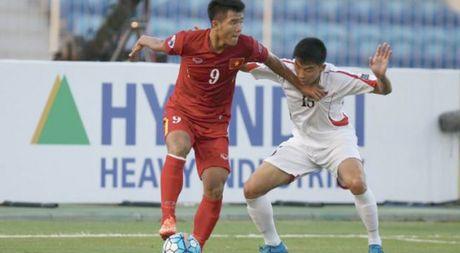 U.19 Viet Nam xem canh mien Trung chiu lu truoc gio quyet dau UAE - Anh 1