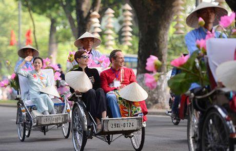 Van hoa Thang Long - Ha Noi tu ta ao dai truyen thong - Anh 1