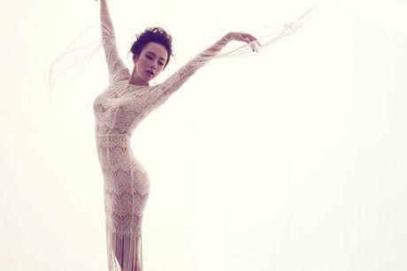 Angela Phuong Trinh quyen ru voi vay ren mong manh cua Do Manh Cuong - Anh 11