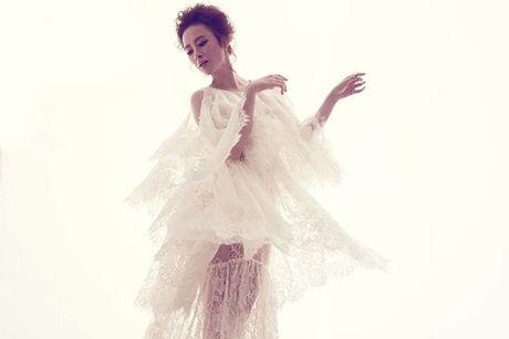 Angela Phuong Trinh quyen ru voi vay ren mong manh cua Do Manh Cuong - Anh 7