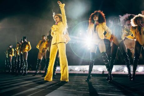 Formation World Tour: Con ai qua duoc Beyonce nam 2016 nay? - Anh 1