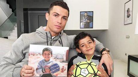 Vi sao con trai Ronaldo khong gia nhap lo Real Madrid? - Anh 1