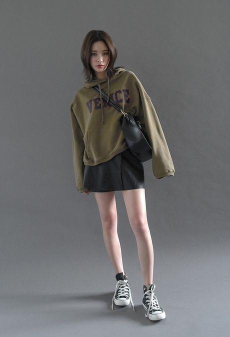 Mac ke cac loai ao trendy khac, cu thu sang la ao hoodie van cu 'hot' nhu thuong - Anh 11
