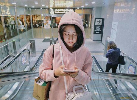 Mac ke cac loai ao trendy khac, cu thu sang la ao hoodie van cu 'hot' nhu thuong - Anh 2