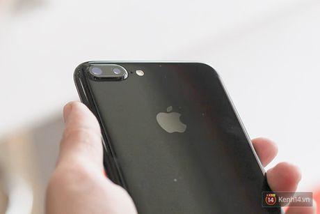 iPhone 7 Plus da la gi, camera kep tren iPhone 8 moi dinh 'khong the tin noi' - Anh 1