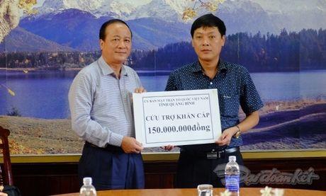 Quang Binh cuu tro khan cap cho nhan dan vung lu - Anh 4